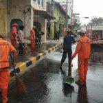 DLH Berkolaborasi Bersihkan Debu di Kota Kualasimpang